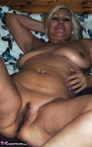 Hairy Fat Mature Pussy