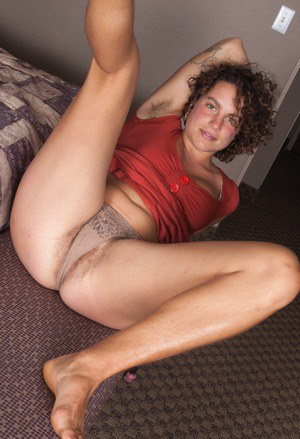 Hairy Mature Spread
