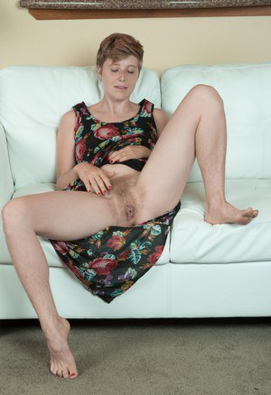 Mature hairy upskirt